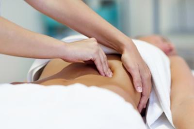 Osteopatía en Parla - Tratamiento osteopático a una mujer